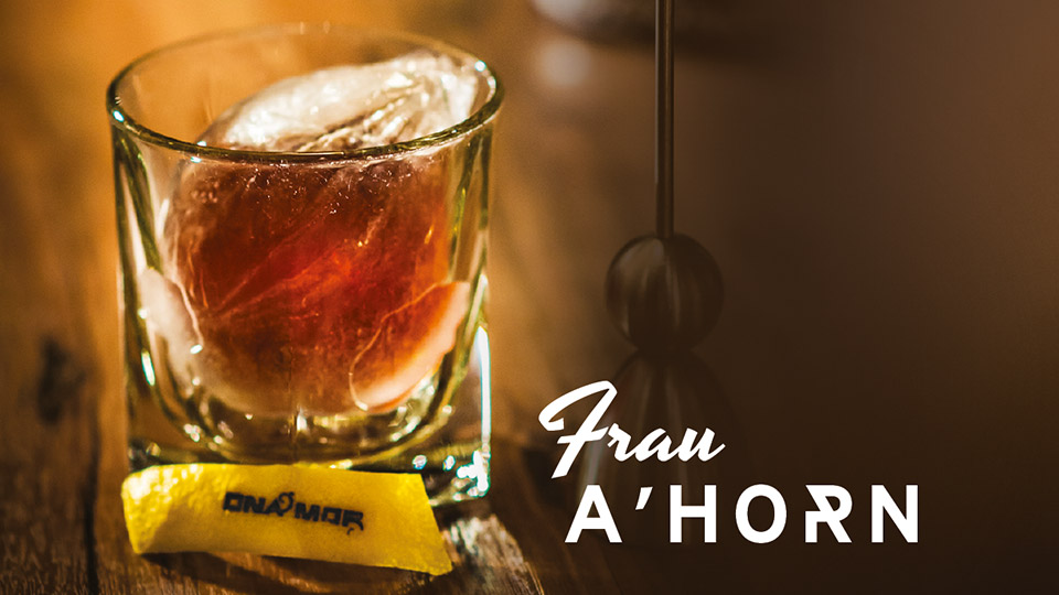 Frau A'horn, Belle Booze Box